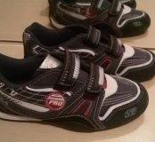 Новые кроссовки на мальчика размер 36