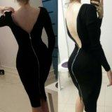 Платье с замком на всю спину