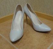 Туфли бежевые Buluggi