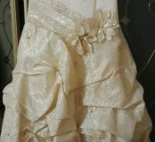 Нарядное, красивое платье.