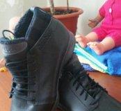 Продам НОВЫЕ зимние ботинки Reebok