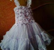 Фирменное нарядное,очень красивое платье.