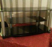 продам стеклянный  стол под  тв