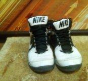 Кроссовки баскетбольные - фирменные Nike