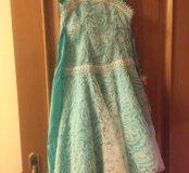 Платье нарядное на 6-8 лет