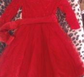 Платье на10-12 лет.
