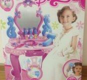 Столик для девочки с украшениями. Товар новый