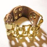 Кожаный золотой браслет