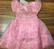 Новое нарядное платье р.128