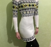 Вязаное платье YNG