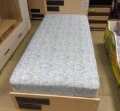 Кровать с матрасом и подъемником