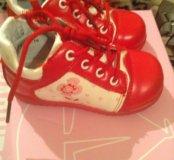 Совершенно новые весенние ботинки