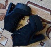 Ботиночки клевые новые одевала один раз в машину