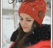 НОВАЯ! Зимняя шапка с отворотом ручной работы!