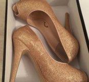 Туфли золотые новые