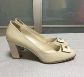 Туфли женские лаковые. Новые!!!