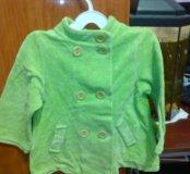 Зеленое пальто для девочки