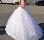 Свадебное платье и подарки к нему