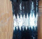 Черное короткое велюровое платье с пайетками
