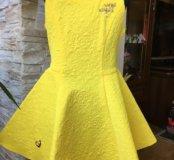 Платье новое на девочку.