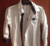 Белая рубашка в мелкий горошек