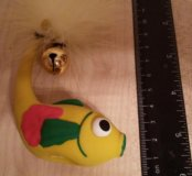 Игрушка рыбка с бубенцом