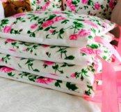 Бортики,одеяла,комплекты в кроватку