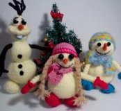 Снеговики  ручной работы.