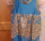 Праздничное платье с золотой вышивкой на 1-2 года.