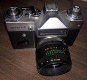 Фотоаппарат Зенит-Е с объективом Helios-44-2