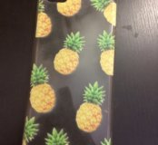 Чехол с ананасами