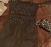 Черное платье и сумочка