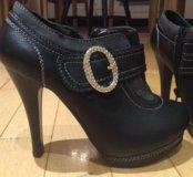 Новые осенние ботинки 35 размер