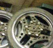 Колеса на мотоцикл
