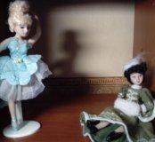 Две фарфоровые куклы
