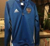 Толстовка adidas с гербом России.