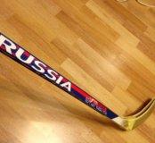 Новые клюшки и шайба для хоккея