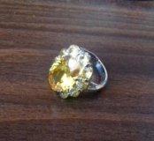продам очень красивое кольцо.р-р 16.5
