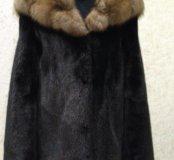 Шуба норковая, с капюшоном из соболя