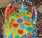 Развивающийся детский коврик 0+