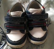 Продам кроссовки indigo