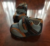Ботинки детские новые размер 18 фирма kapika