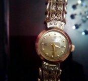 Часы золотые новые