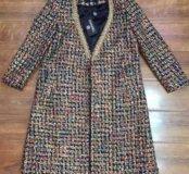 Пальто с металлической отделкой