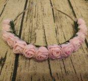 Ободок нежно-розовый из цветов