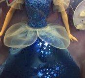 Золушка в блестящем платье