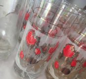 Кувшин и стаканы