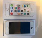 Телефон Apple 5s(золотой)Торг