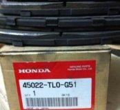 Задние тормозные колодки на Honda Accord