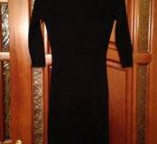 Платье чёрное 38.
